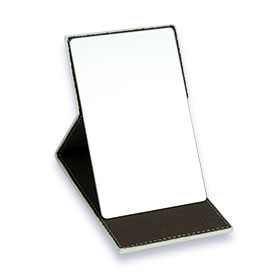Oni On The Go Mirror With Leather Cover กระจกบานพับสุดหรู ขนาดกะทัดรัด พกพาสะดวก หุ้มด้วยผ้าหนังสีขาวผลิตจากวัสดุคุณภาพดี