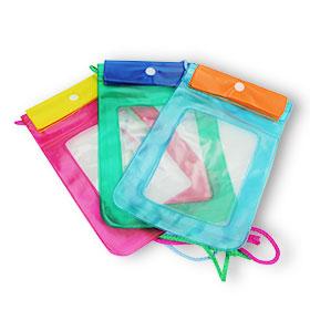 Waterproof Bag Middle Size (Random Color) 1pcs *ทางบริษัทขอสงวนสิทธิ์ในการเลือกสี(สินค้านี้ไม่ร่วมรายการซื้อ 2 ชิ้นฟรีค่าจัดส่ง)