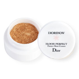 Dior Snow Bloom Perfect Perfect Moist Cushion SPF50-PA+++ 4g #010