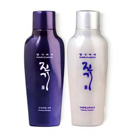 แพ็คคู่ Daeng Gi Meo Ri Vitalizing Shampoo 70ml + Treatment 70ml