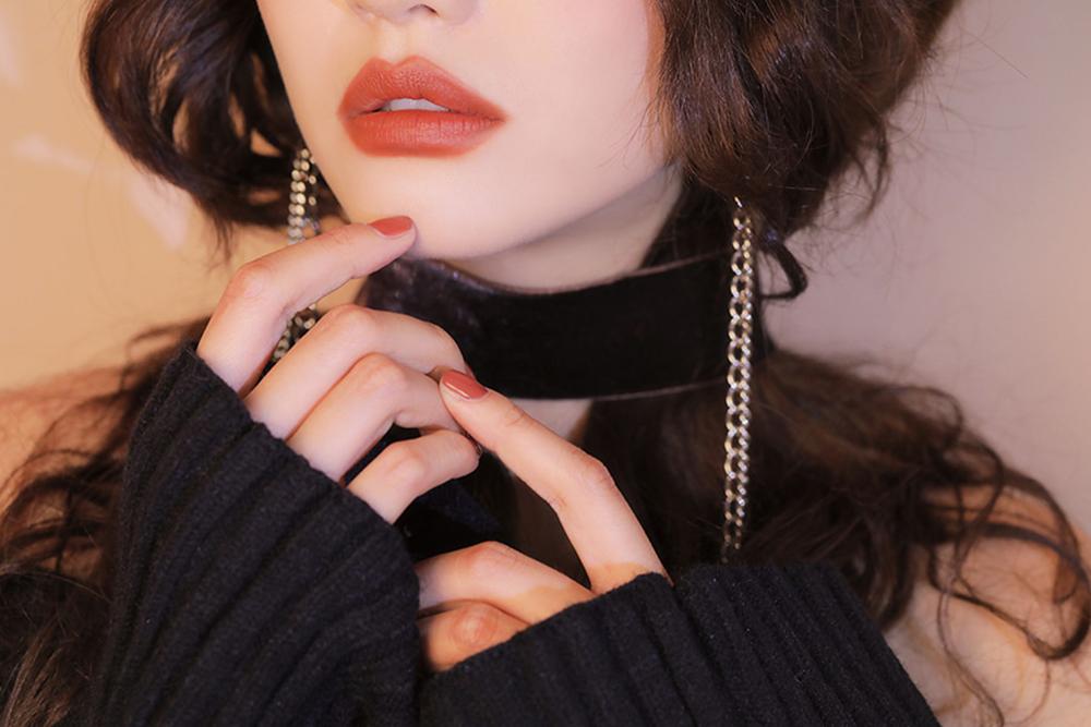 3CE Matte Lip Color #220 Hit Me Up_4
